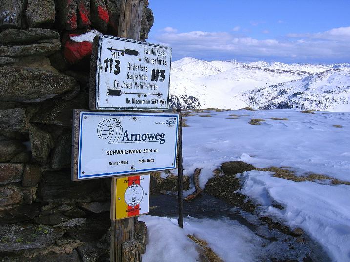 Foto: Andreas Koller / Ski Tour / Vom Bundschuh auf die Schwarzwand (2214 m) / Der Gipfelsteinmann / 06.04.2008 23:32:10