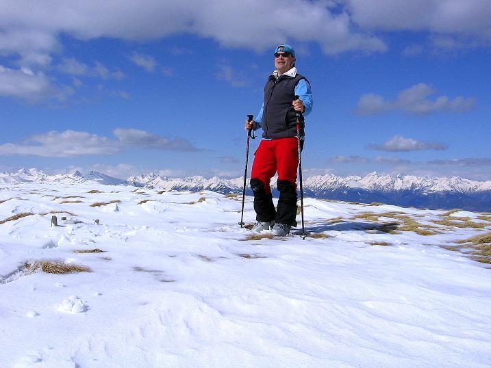 Foto: Andreas Koller / Ski Tour / Vom Bundschuh auf die Schwarzwand (2214 m) / Am Gipfel mit Blick nach N / 06.04.2008 23:30:48