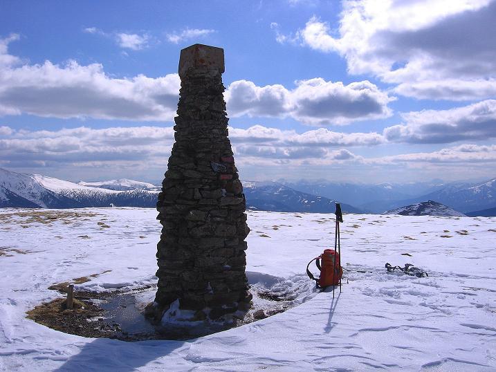 Foto: Andreas Koller / Ski Tour / Vom Bundschuh auf die Schwarzwand (2214 m) / Blick über den Steinmann nach SW / 06.04.2008 23:27:24