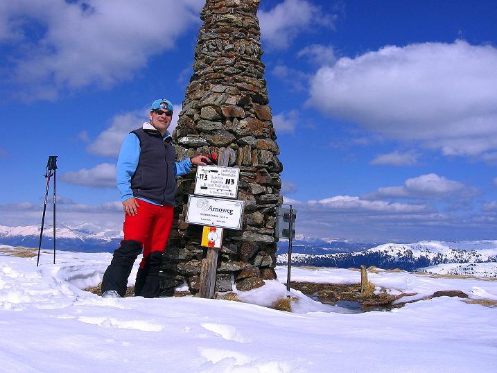 Foto: Andreas Koller / Ski Tour / Vom Bundschuh auf die Schwarzwand (2214 m) / Gipfelsteinmann auf der Schwarzwand / 06.04.2008 23:25:56