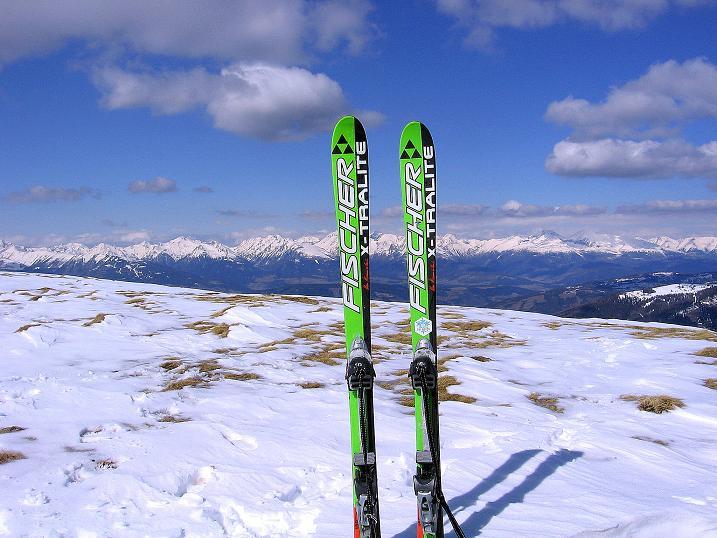 Foto: Andreas Koller / Ski Tour / Vom Bundschuh auf die Schwarzwand (2214 m) / Blick vom Gipfel nach N zu den Schladminger Tauern  / 06.04.2008 23:21:20