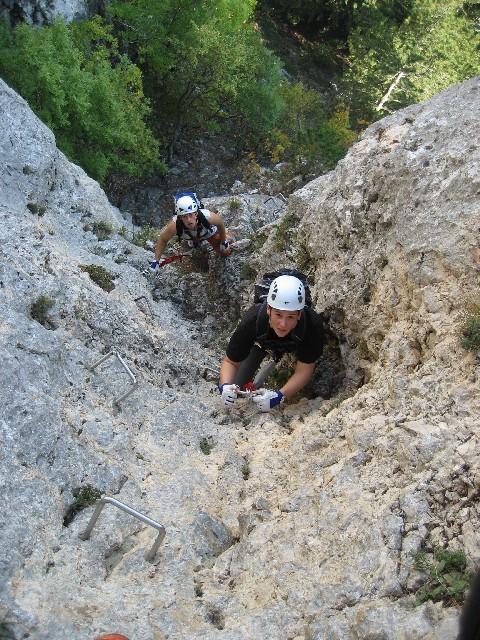 Foto: AbsolutAlpin.at / Klettersteig Tour / Wildenauersteig / Blick zurück vom Steigbuch am Beginn des Schachtes / 09.04.2008 13:24:18