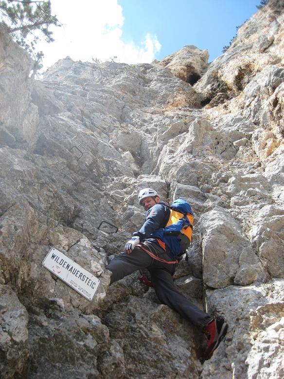 Foto: AbsolutAlpin.at / Klettersteig Tour / Wildenauersteig / Einstieg / 09.04.2008 13:27:33