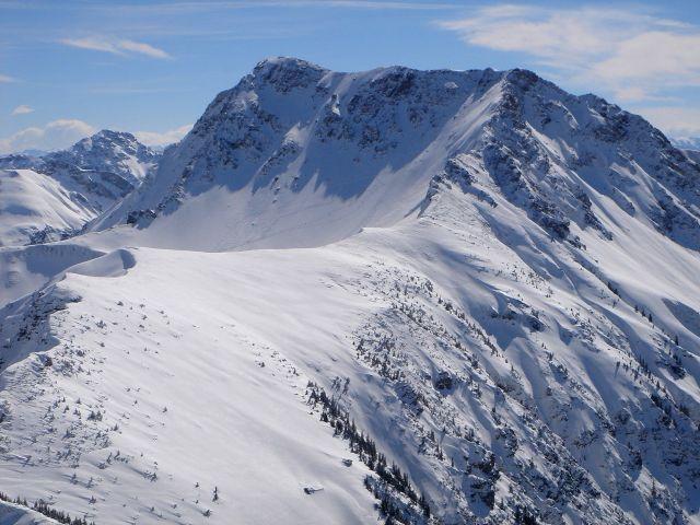 Foto: Manfred Karl / Ski Tour / Gaishorn (2247m) / Blick vom Ponten zum Gaishorn, der Anstieg verläuft nach rechts auf das Gaiseck. / 13.04.2008 07:07:50