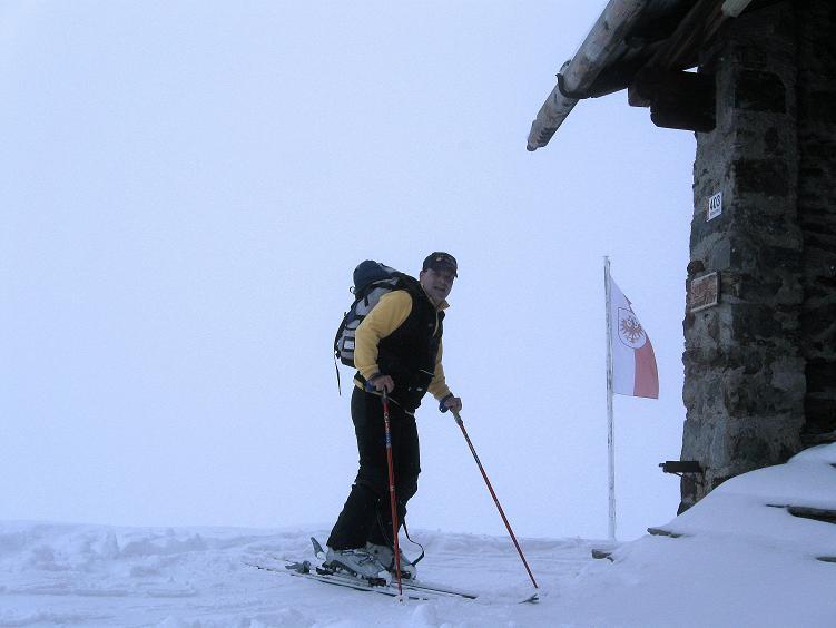 Foto: Andreas Koller / Ski Tour / Hintere Schwärze (3628m) - Topziel der Martin Busch Hütte / Ankunft bei der Martin Busch Hütte / 15.04.2008 19:22:49
