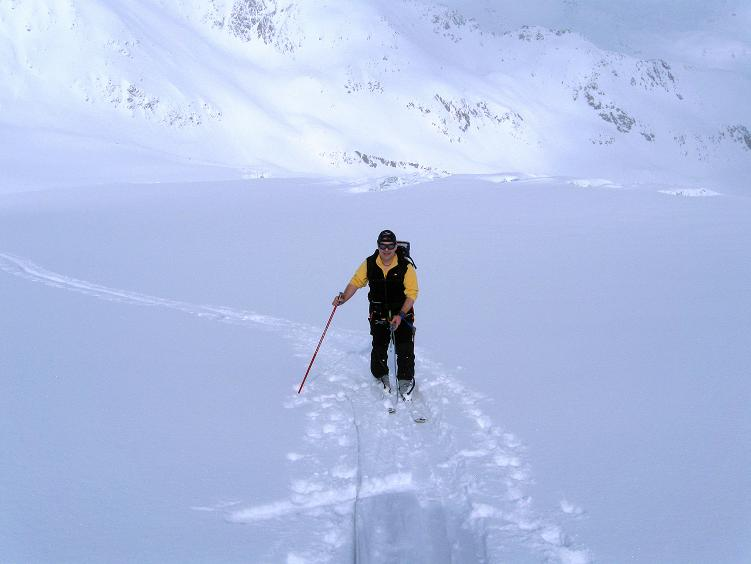 Foto: Andreas Koller / Ski Tour / Hintere Schwärze (3628m) - Topziel der Martin Busch Hütte / Aufstieg aus dem Gletscherbecken / 15.04.2008 19:20:43
