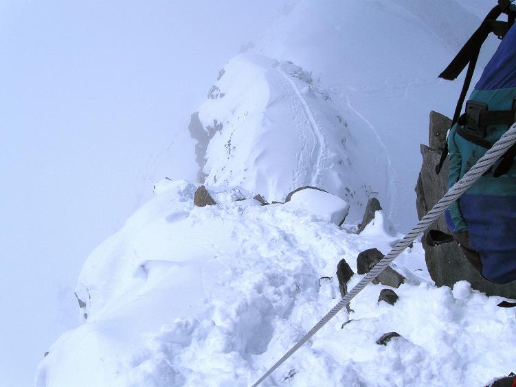 Foto: Andreas Koller / Ski Tour / Hintere Schwärze (3628m) - Topziel der Martin Busch Hütte / Der steile und ausgesetzte W-Grat / 15.04.2008 19:12:35