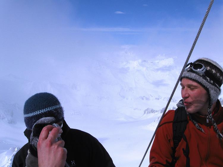 Foto: Andreas Koller / Ski Tour / Hintere Schwärze (3628m) - Topziel der Martin Busch Hütte / Weitreichender Blick vom Gipfel / 15.04.2008 19:11:47