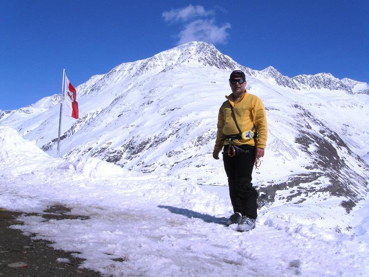 Foto: Andreas Koller / Ski Tour / Hintere Schwärze (3628m) - Topziel der Martin Busch Hütte / Bei der Martin Busch Hütte / 15.04.2008 19:07:48