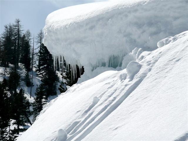 Foto: Manfred Karl / Ski Tour / Kahlersberg (2350m) / Kleine Hindernisse am Weg / 18.04.2008 23:47:23