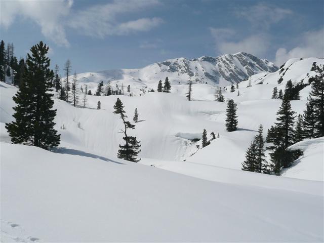 Foto: Manfred Karl / Ski Tour / Kahlersberg (2350m) / Einsames Hagengebirge. Noch ist es weit bis zum Kahlersberg. / 18.04.2008 23:46:34