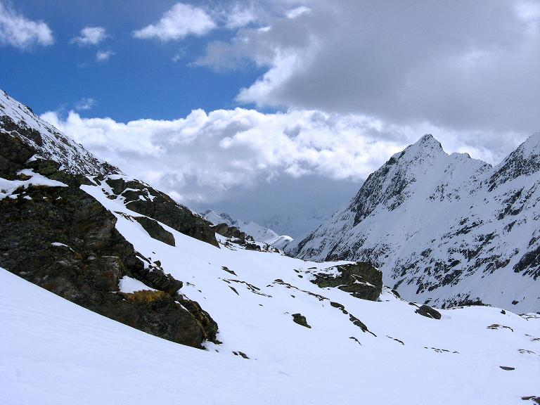 Foto: Andreas Koller / Ski Tour / Haute Route am Venediger (3674 m) / Rückblick vom Aufstieg zum Defregger Haus / 21.04.2008 15:21:52