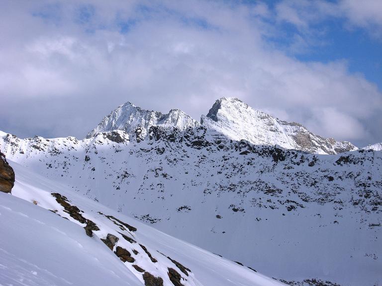 Foto: Andreas Koller / Ski Tour / Haute Route am Venediger (3674 m) / Der Hohe Eichham (3371 m) im NO zeigt sich sehr schroff / 21.04.2008 15:19:54