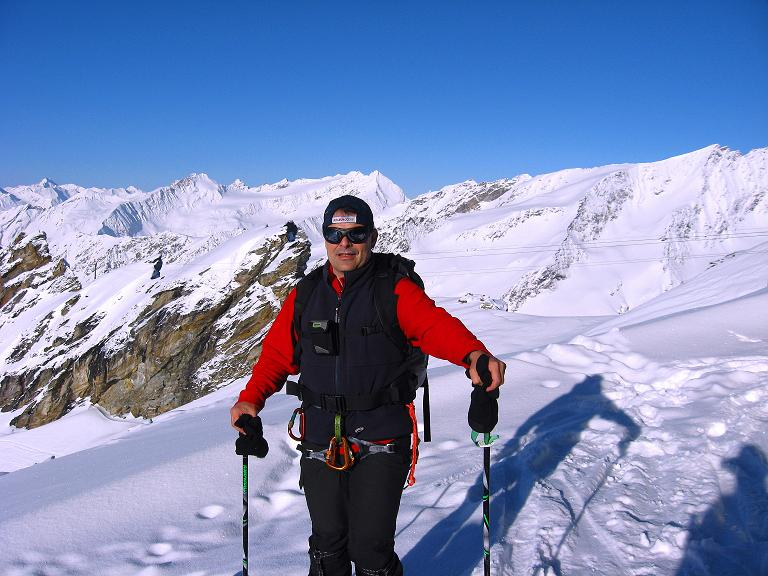 Foto: Andreas Koller / Ski Tour / Haute Route am Venediger (3674 m) / Strartbereit beim Defregger Haus / 21.04.2008 15:18:33