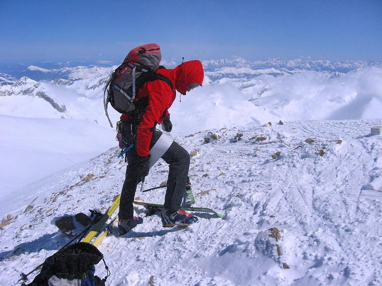 Foto: Andreas Koller / Ski Tour / Haute Route am Venediger (3674 m) / Am Gipfel des Rainerhorn / 21.04.2008 15:07:58