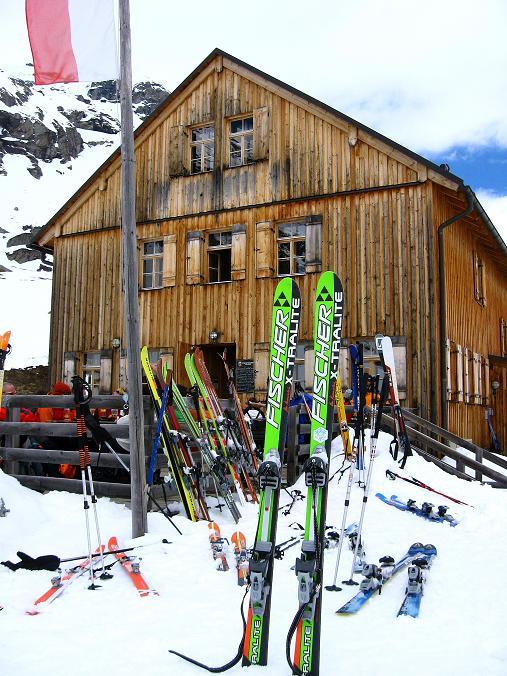 Foto: Andreas Koller / Ski Tour / Haute Route am Venediger (3674 m) / Abschluss auf der Johannishütte / 21.04.2008 15:07:06