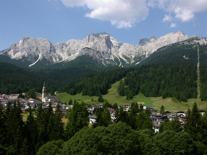 Foto: Bernhard Berger / Rad Tour / Mit dem Rennrad rund um die Sextener Dolomiten / Padola im Comelico Superiore / 22.04.2008 16:16:09