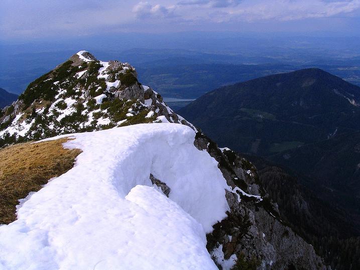 Foto: Andreas Koller / Wander Tour / Durch die Nordwandrinne auf den Geißberg / Kosiak (2024m) / Blick vom Gipfel zum Wörthersee / 06.05.2008 00:49:30