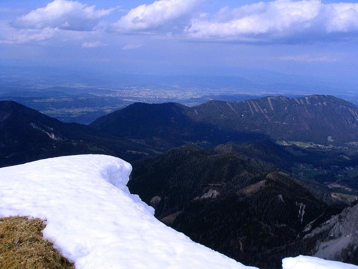 Foto: Andreas Koller / Wander Tour / Durch die Nordwandrinne auf den Geißberg / Kosiak (2024m) / Blick vom Geißberggipfel auf den Wörthersee im N / 06.05.2008 00:48:31