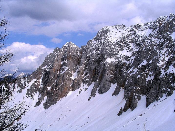 Foto: Andreas Koller / Wander Tour / Durch die Nordwandrinne auf den Geißberg / Kosiak (2024m) / Blick vom Matschachersattel nach O zur Vertatscha (2181 m) / 06.05.2008 00:37:54