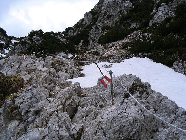Foto: Andreas Koller / Wander Tour / Durch die Nordwandrinne auf den Geißberg / Kosiak (2024m) / Der eher harmlose Stinzesteig, wenn nicht zu viel Schnee im Steig liegt / 06.05.2008 00:35:50