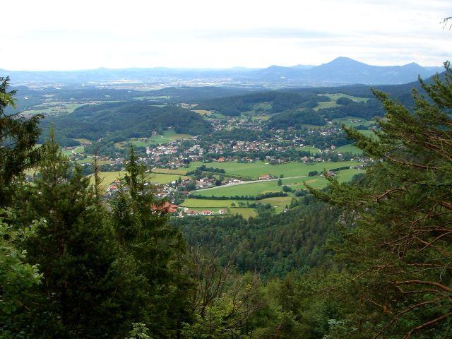 Foto: Manfred Karl / Wander Tour / Dötzenkopf, 1001 m / Salzburger Becken mit dem Gaisberg / 06.05.2008 20:37:47