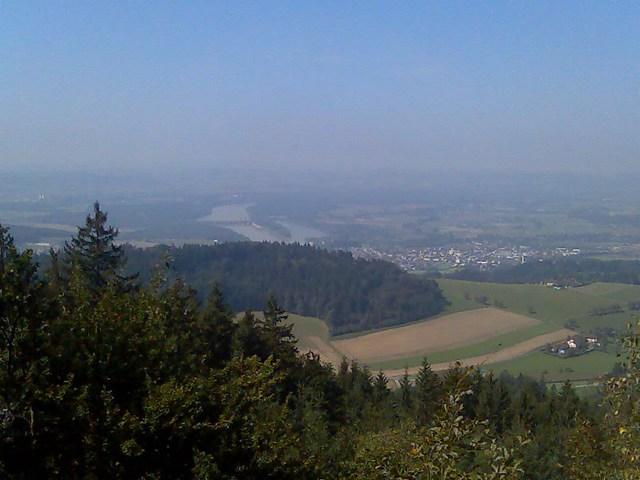 Foto: Jürgen Lindlbauer / Mountainbike Tour / Von Ottensheim auf die Giselawarte / Blick ins Donautal von Großamberg / 06.05.2008 21:21:16
