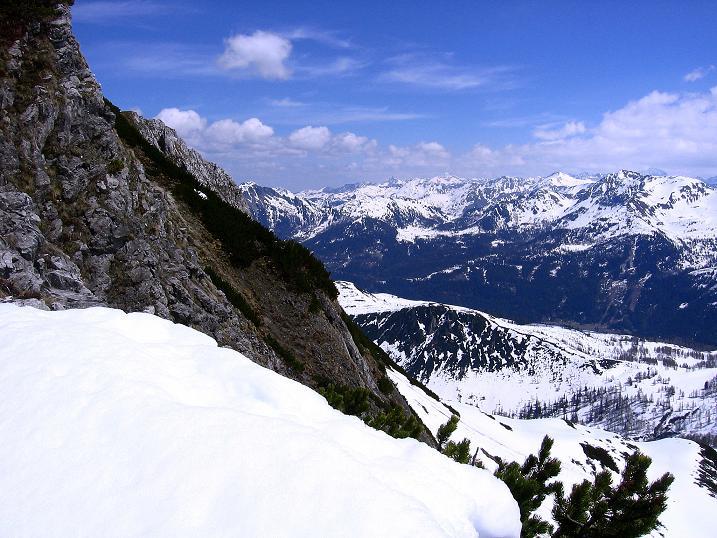 Foto: Andreas Koller / Wander Tour / Vom Zauchensee auf den Gamskogel (2186m) / Blick vom Grat nach O in die Schladminger Tauern / 16.05.2008 01:43:14