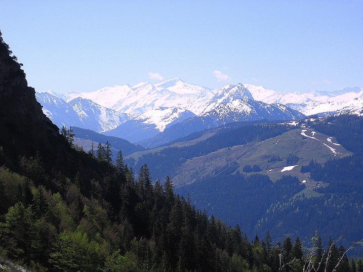 Foto: Andreas Koller / Wander Tour / Von Scheffau in das Schneekar (2121m) / Blick nach S auf den Großvenediger (3674 m) / 16.05.2008 02:24:38