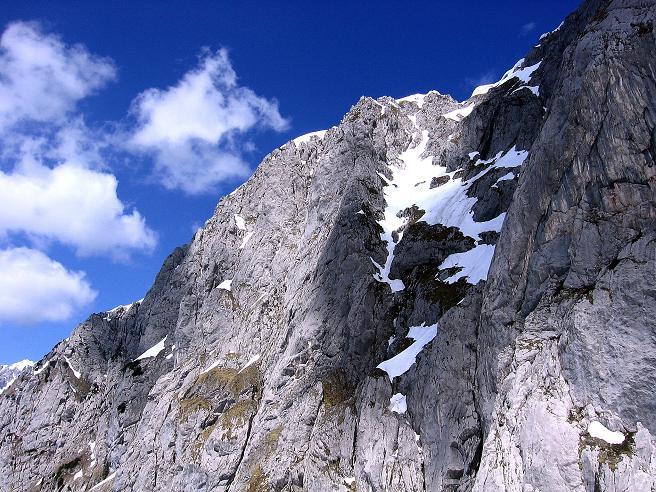Foto: Andreas Koller / Wander Tour / Von Scheffau in das Schneekar (2121m) / Blick auf die Kletterwände des Sonnecks (2260 m) / 16.05.2008 02:23:00