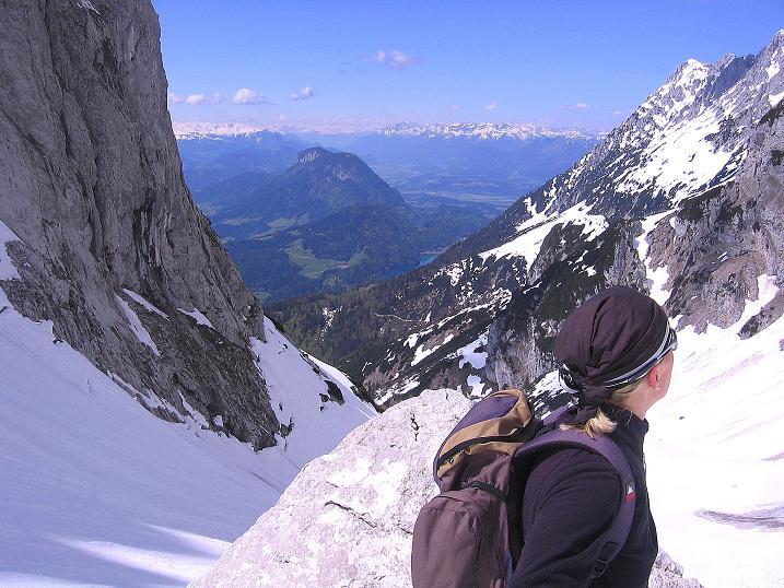 Foto: Andreas Koller / Wander Tour / Von Scheffau in das Schneekar (2121m) / Blick aus dem Schneekar ins Inntal / 16.05.2008 02:21:46