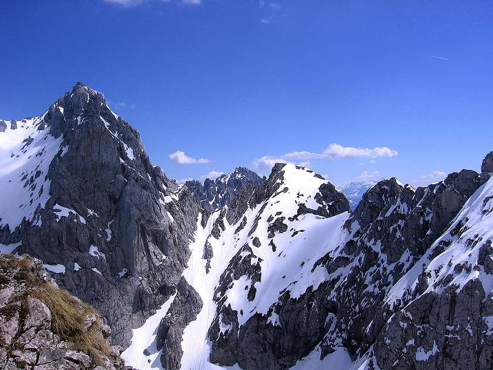 Foto: Andreas Koller / Wander Tour / Von Scheffau in das Schneekar (2121m) / Blick auf den Ellmauer Halt (2344 m) / 16.05.2008 02:19:16