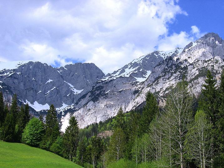 Foto: Andreas Koller / Wander Tour / Von Scheffau in das Schneekar (2121m) / Letzter Blick auf den Westkaiser / 16.05.2008 02:14:34