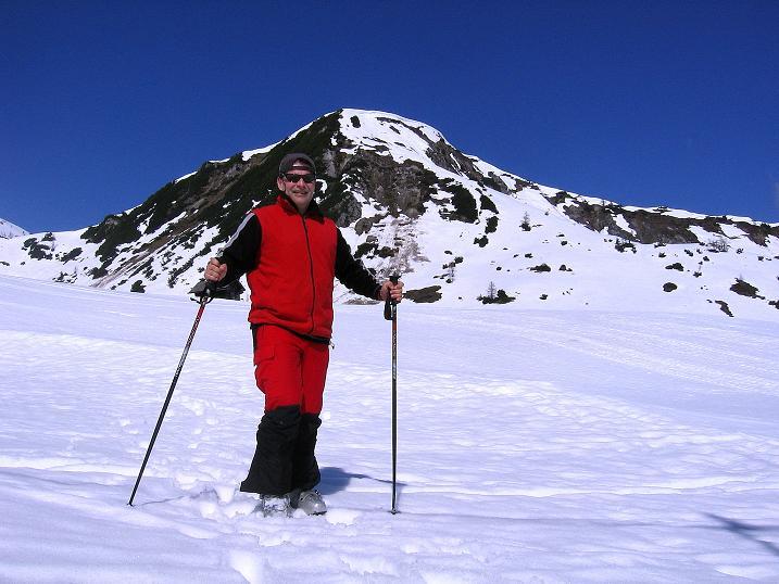 Foto: Andreas Koller / Ski Tour / Vom Zauchensee auf den Schwarzkopf (2263m) / Rast im Seekarkessel bei der Gamskogelhütte / 16.05.2008 03:02:50