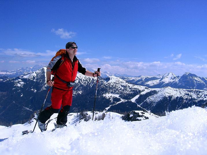 Foto: Andreas Koller / Ski Tour / Vom Zauchensee auf den Schwarzkopf (2263m) / Im Aufstieg Blick zum Dachstein (2996 m) und in die Schladminger Tauern / 16.05.2008 03:02:22