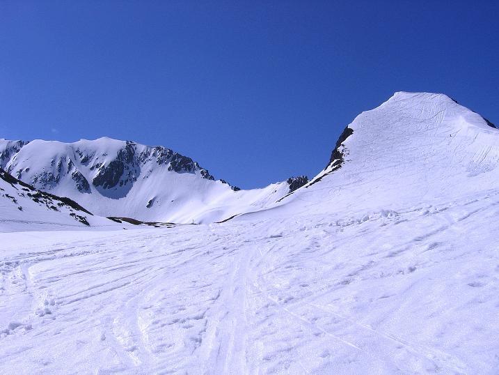 Foto: Andreas Koller / Ski Tour / Vom Zauchensee auf den Schwarzkopf (2263m) / Schwarzkopf und Steinfeldspitz W-Grat  / 16.05.2008 03:01:46