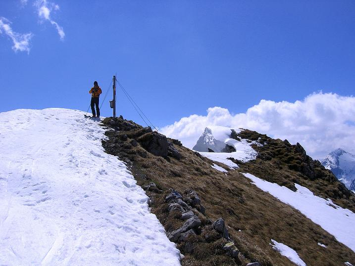 Foto: Andreas Koller / Ski Tour / Vom Zauchensee auf den Schwarzkopf (2263m) / Die letzen Meter zum Gipfelkreuz / 16.05.2008 02:57:49