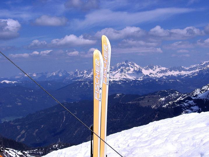 Foto: Andreas Koller / Ski Tour / Vom Zauchensee auf den Schwarzkopf (2263m) / Blick vom Gipfel zur Bischofsmütz (2459 m) / 16.05.2008 02:52:59