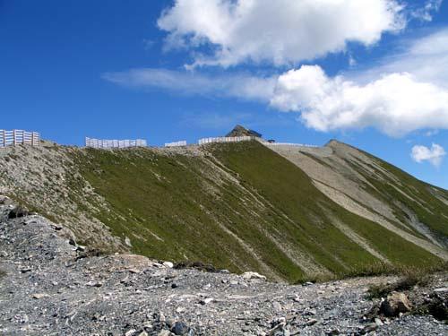 Foto: vince 51 / Wander Tour / Von Serfaus auf den Pezid / Blick von der Skipiste zum Pezidgipfel / 16.05.2008 22:54:50
