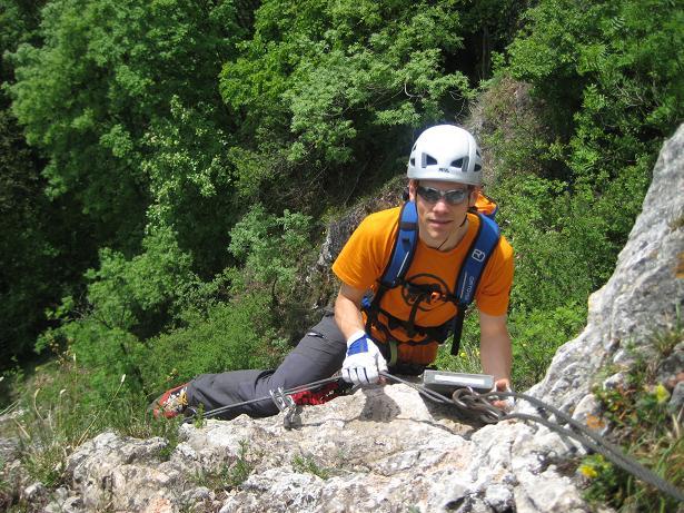 Foto: AbsolutAlpin.at / Klettersteig Tour / Währingersteig und Ganghofersteig / Ganghofersteig: Am Ende der Querung beim Steigbuch / 19.05.2008 15:41:35