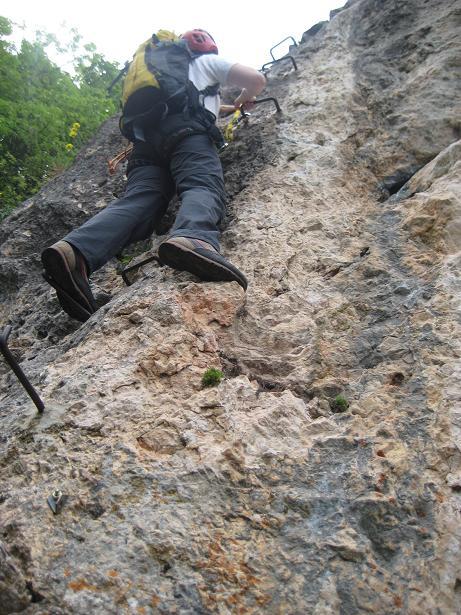 Foto: AbsolutAlpin.at / Klettersteig Tour / Währingersteig und Ganghofersteig / Ganghofersteig: Jetzt wirds steil. / 19.05.2008 15:42:13