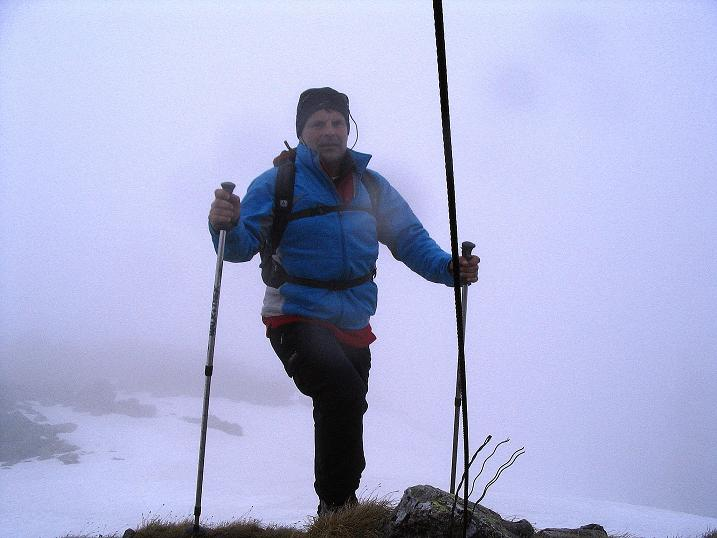 Foto: Andreas Koller / Wander Tour / Durch den Brandstätter Graben auf den Maierangerkogel (2356m) / Bei Nebel am Gipfel / 20.05.2008 00:27:47