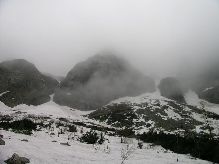 Foto: Andreas Koller / Wander Tour / Über den Morskie Oko zum Fuß des Rysy (1583 m) / Alpine Tatra / 26.05.2008 17:49:40
