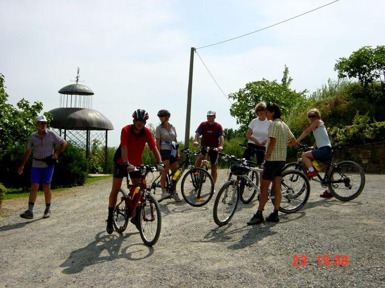 Foto: Manfred Karl / Mountainbike Tour / Von Marlia nach Valgiano / Rast- und Fotopause / 27.05.2008 20:13:33