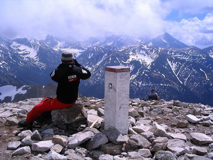 Foto: Andreas Koller / Wander Tour / Dolina Matej Laki und Malolaczniak (2096 m) / Gipfel der Kondracka Kopa mit Blick in die Hohe Tatra / 29.05.2008 01:36:22