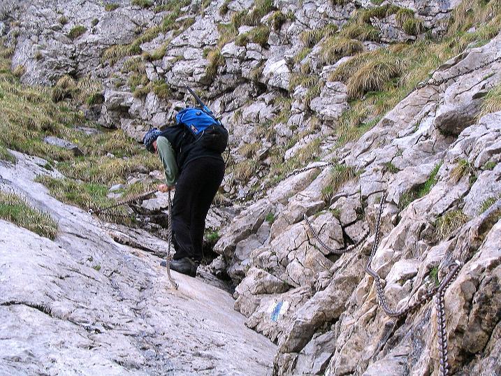 Foto: Andreas Koller / Wander Tour / Dolina Matej Laki und Malolaczniak (2096 m) / Die kniffligste Passage ist mit Ketten entschärft / 29.05.2008 01:32:17