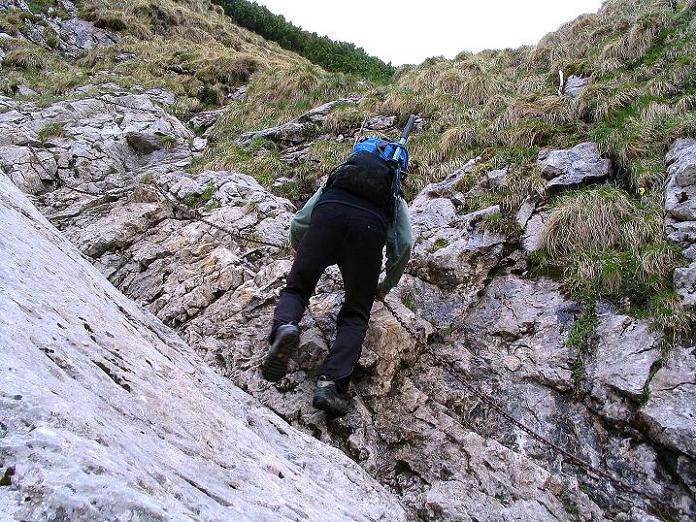 Foto: Andreas Koller / Wander Tour / Dolina Matej Laki und Malolaczniak (2096 m) / Versicherte Passage im Abstieg vom Malolaczniak. / 29.05.2008 01:31:48