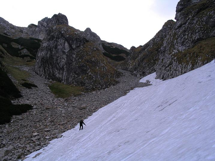 Foto: Andreas Koller / Wander Tour / Dolina Matej Laki und Malolaczniak (2096 m) / Steiler Abstieg teilweise über Schnee vom Malolaczniak. / 29.05.2008 01:30:11
