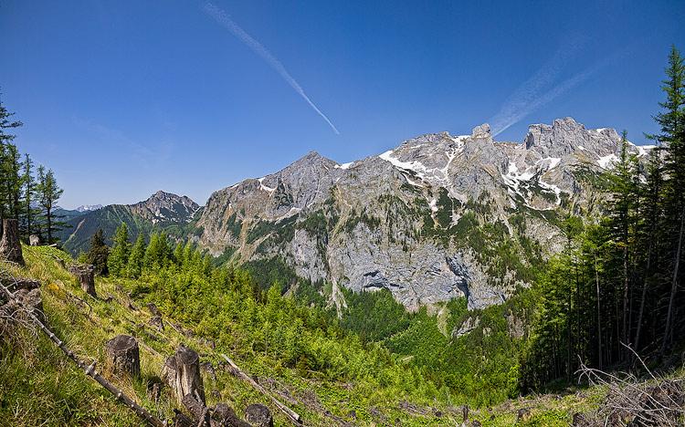 Foto: AndreasResch / Wander Tour / Vom Bodenbauer auf den Reidelsteinriedel / Blick auf den Gegenhang auf Höhe der Steinmännchen / 29.05.2008 15:24:56