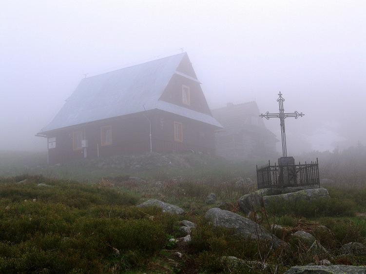 Foto: Andreas Koller / Wander Tour / Swinica (2301m) - Paradegipfel über Zakopane / Almgelämde, ehe man die Schutzhütte Schronisko Murowaniec erreicht / 29.05.2008 23:03:59